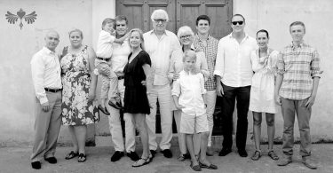 family-portrait-photography-amalfi-coast-ravello